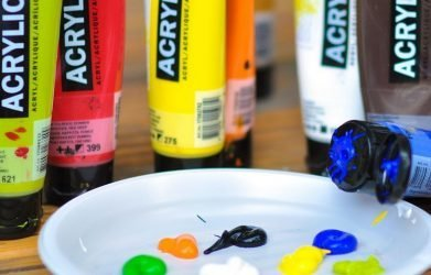get acrylic paint out of carpet